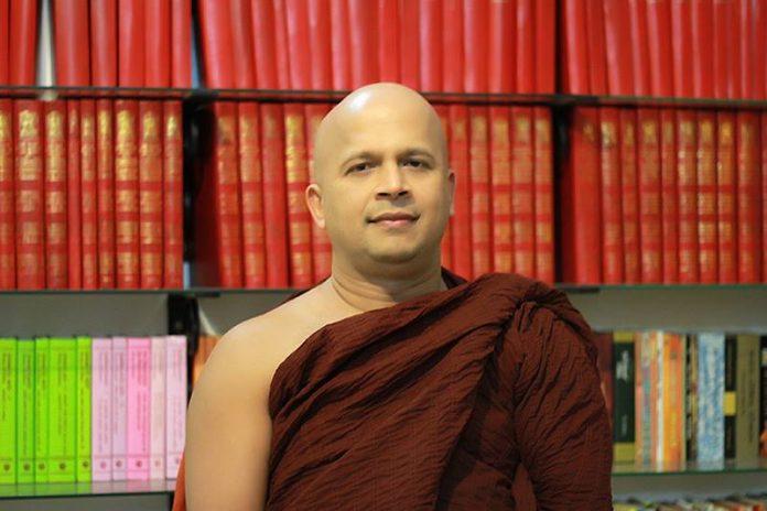 Uduwe Dhammaloka Thero - කොරෝනා ආසාදනය වී උඩුවේ ධම්මාලෝක හිමියන්ගේ මෑණියන් දැඩි සත්කාර ඒකකයේ!