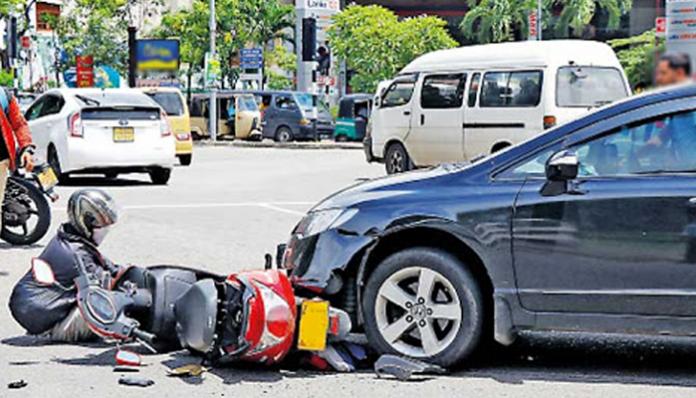 Accidents - පැය 24 කදී රිය අනතුරු හේතුවෙන් මරණ 12 ක්