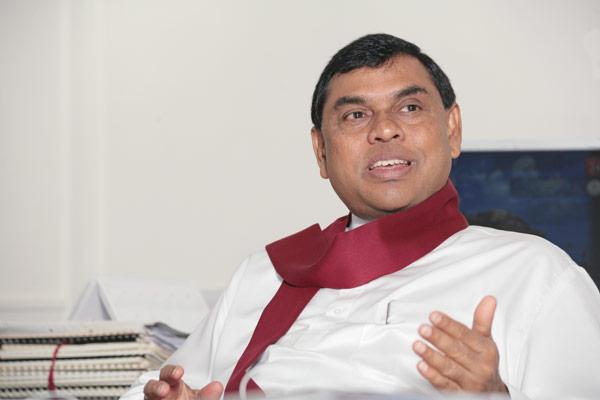 Basil Rajapaksa - බැසිල් වෙනුවෙන් ඉවත්වන මන්ත්රීට ලැබෙන ලොකු ලංසුව මෙන්න